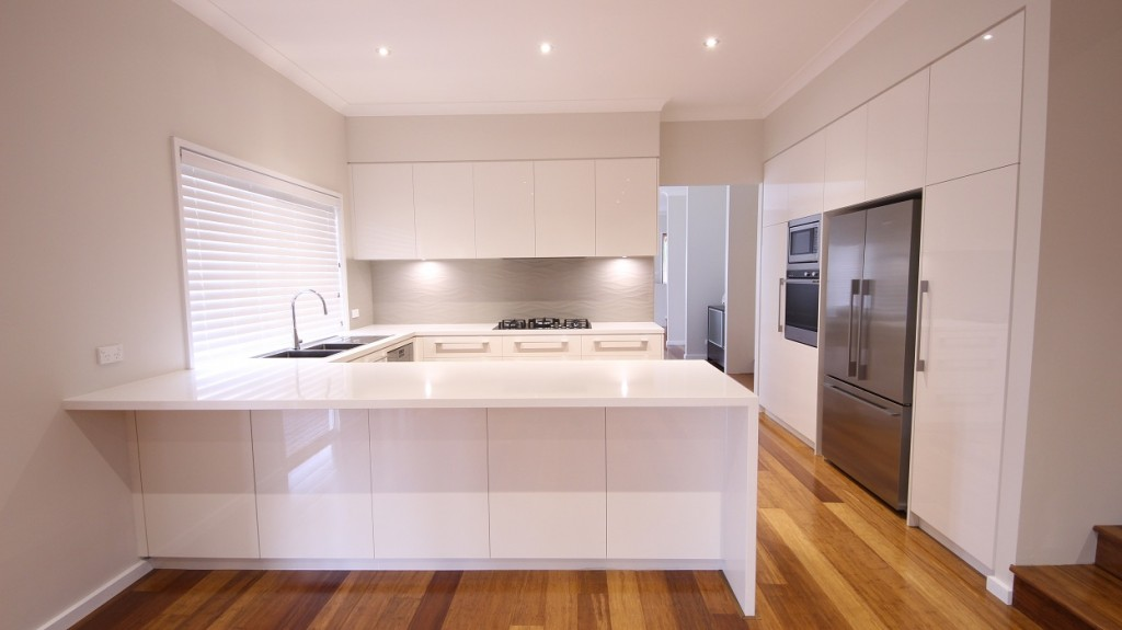 Castle Hill, Gloss Polyurethane kitchen with a Caesarstone Pure White benchtop