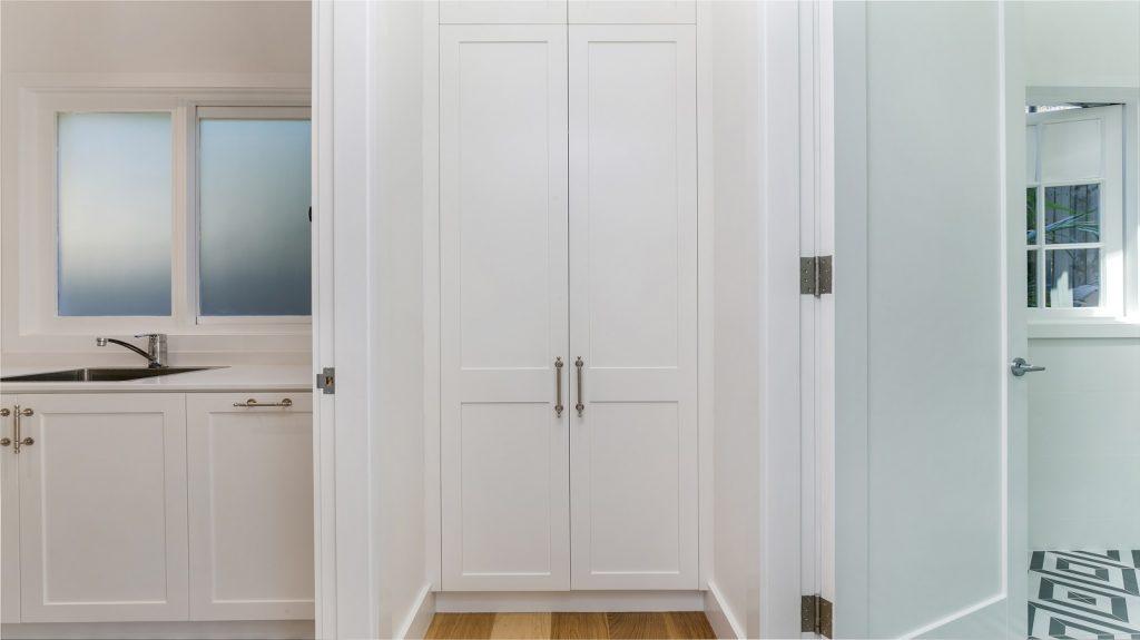 Satin Polyurethane Shaker Style linen closet - Collaroy, Sydney